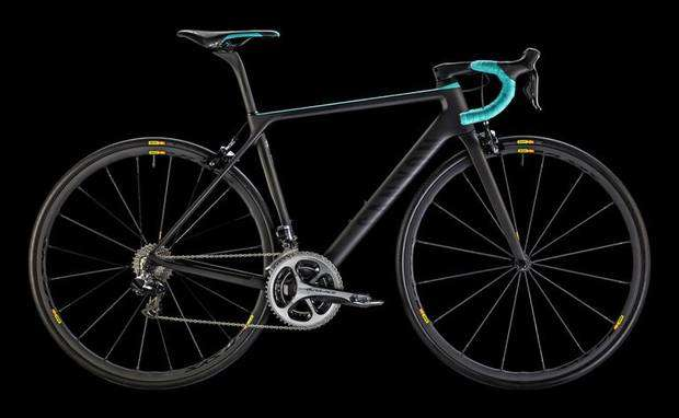Canyon Ultimate CF SLX WMN in dotazione al Team Canyon SRAM Racing