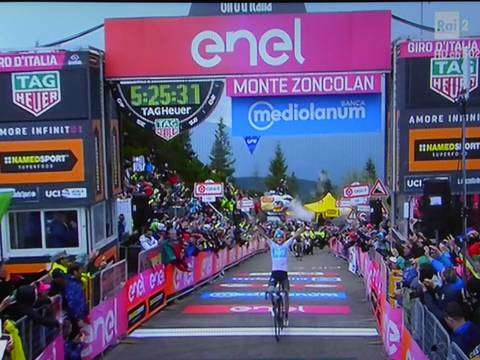 Chris Froome vince sullo Zoncolan
