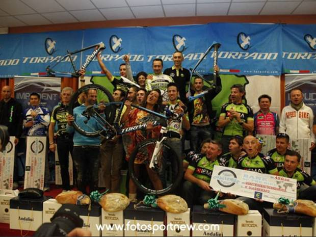 La premiazione del Challenge Over the Hill Torpado (foto fotosportnews)