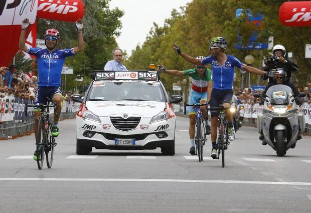 L'arrivo di Diego Ulissi con Visconti e Nibali al Memorial Pantani (foto bettini cyclingnews)