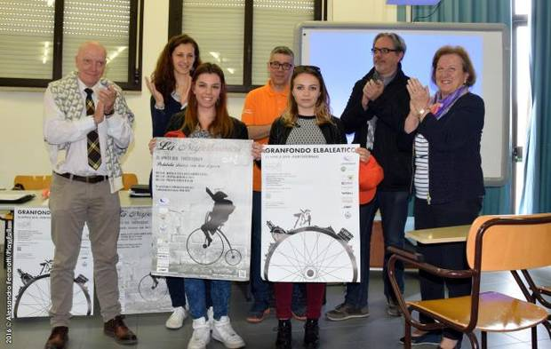 Le studentesse premiate (foto Play Full)
