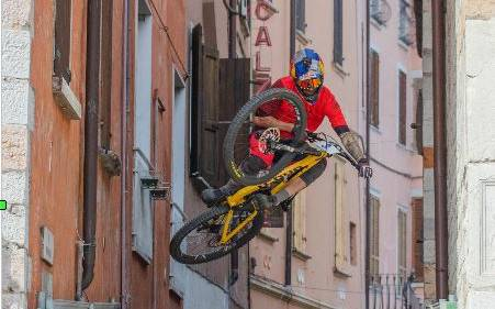 Mad of Lake Coppa Italia Urban DH (foto federciclismo)