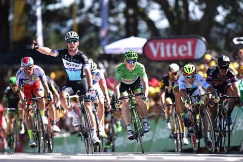 Mark Cavendish vince la tappa di Fougeres al Tour de France (foto cyclingnews)