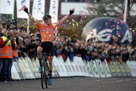 Mathieu Van der Poel campione europeo di ciclocross (foto bettini cyclingnews) (1)