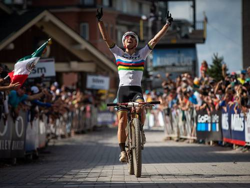 Nino Schurter e Kate Courtney vincono a Snowshoe la Coppa del mondo di mountain bike XCO
