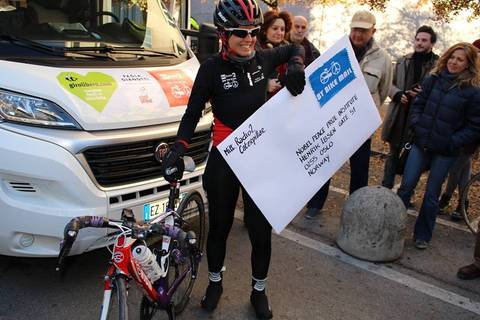 Paola Gianotti in partenza verso Oslo per Bike the Nobel foto fb Albertino Milwaukee