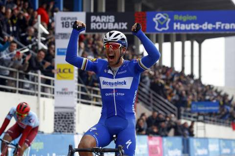 Philippe Gilbert vince la Parigi Roubaix (foto bettini cyclingnews) (1)