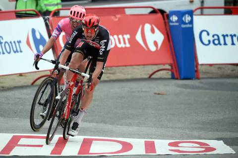 Tim Wellen vince lo sprint con Michael Woods tappa 14 Vuelta (foto cyclingnews)