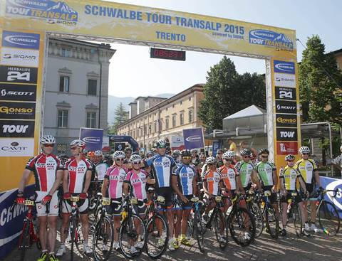 Leaders Schwalbe Tour Transalp